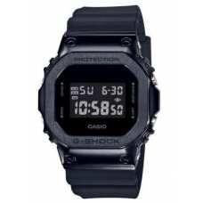 Часы Casio GM-5600B-1ER