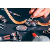 Замена батарейки в наручных часах своими руками на дому