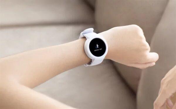 белые смарт часы